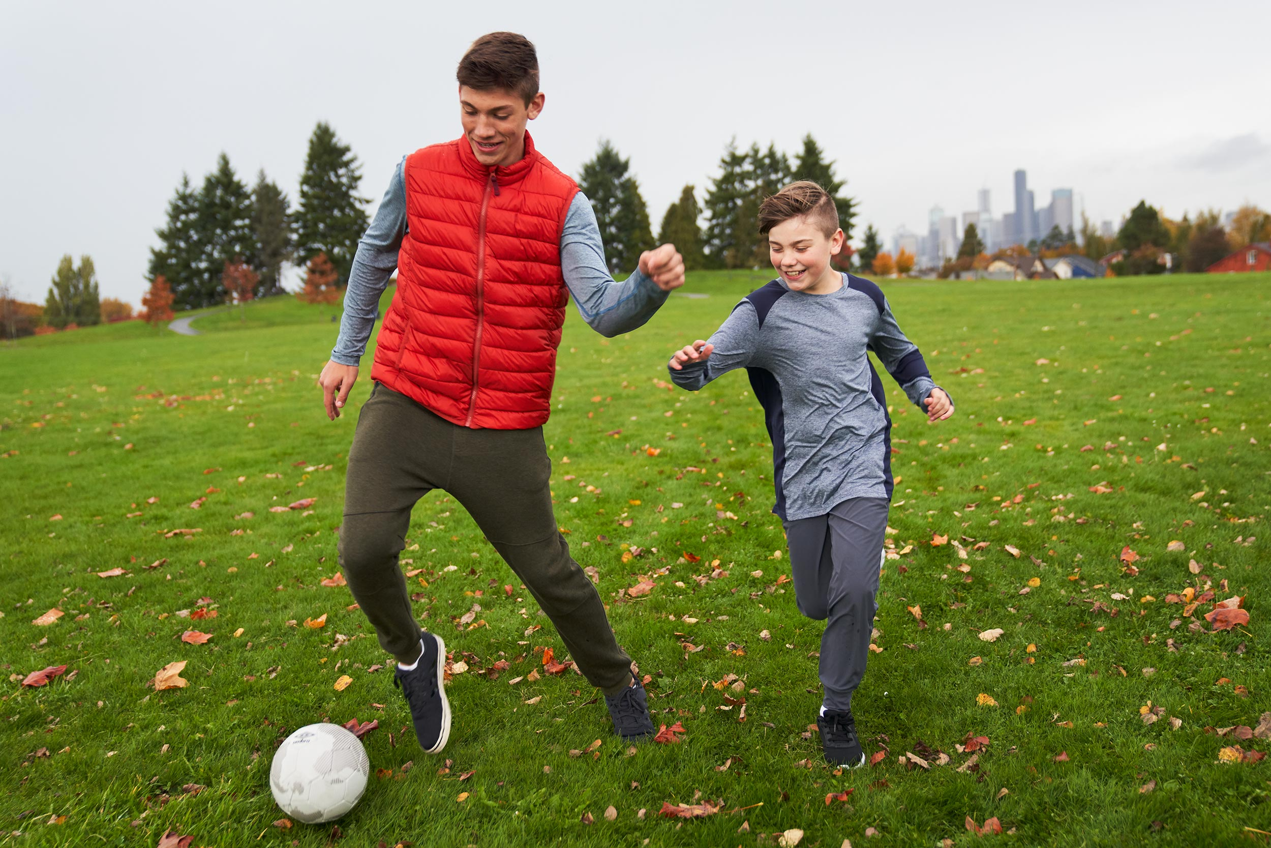 BECU_Park_Family_3903-soccer-run-seattle